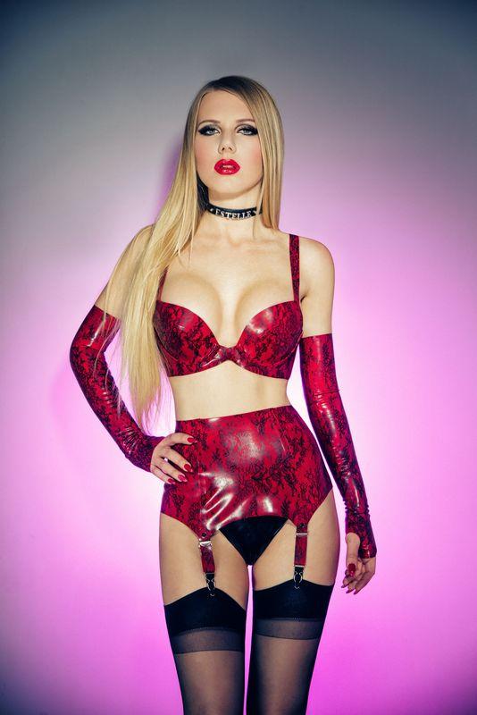Lady Estelle for Kinky Devils